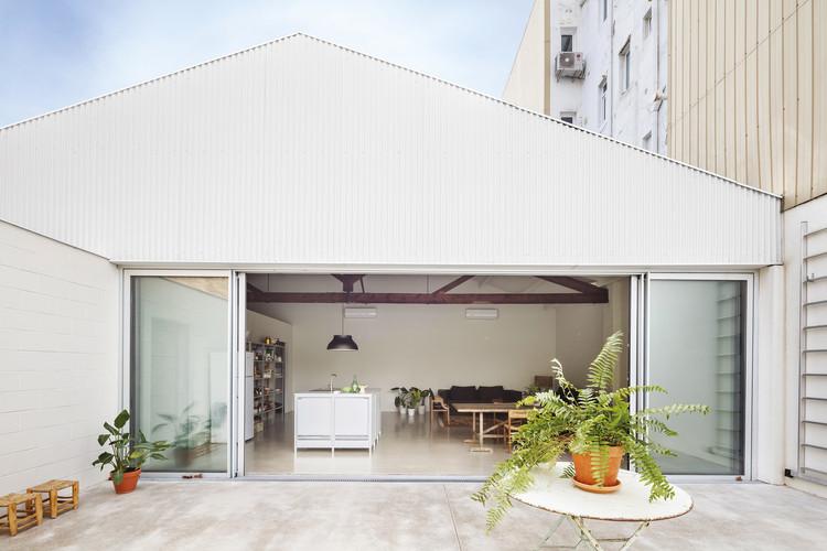 Warehouse Transformation / Thomas Raynaud + Paul Devarrieux, © Adrià Goula