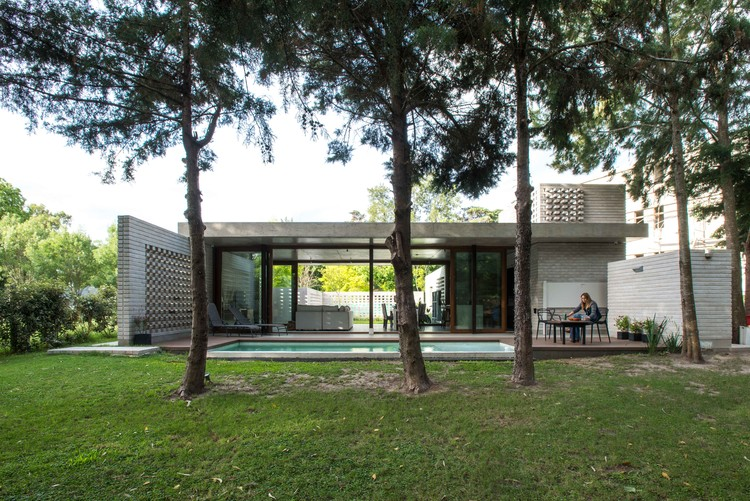 Casa JS / Gianserra + Lima arquitectos, © Luis Barandiarán