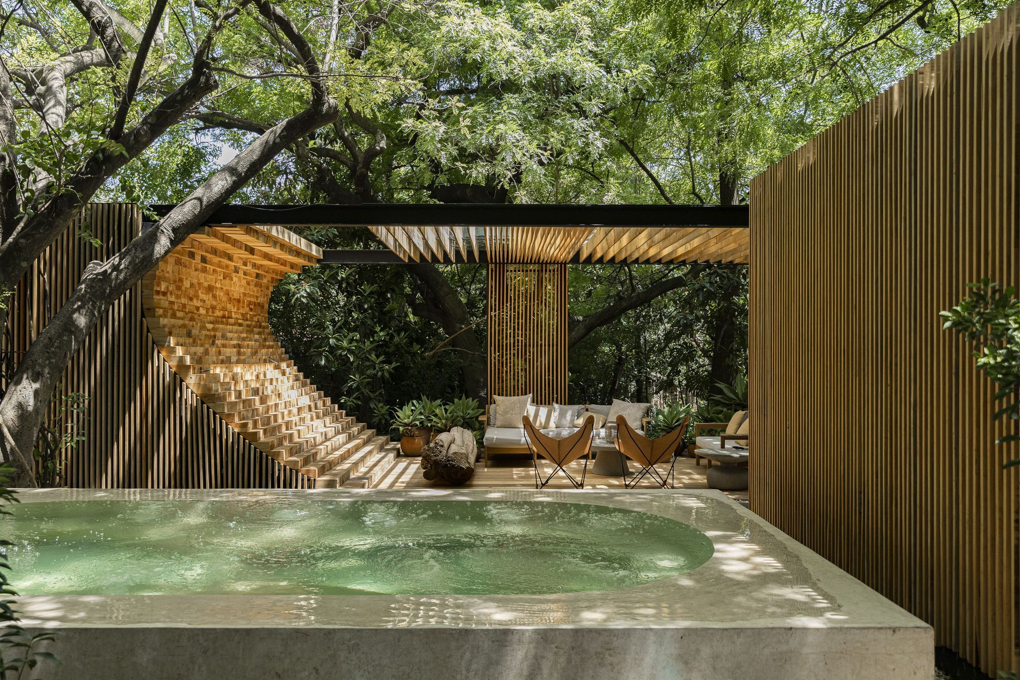 Making Waves: Private Poolhouse Design