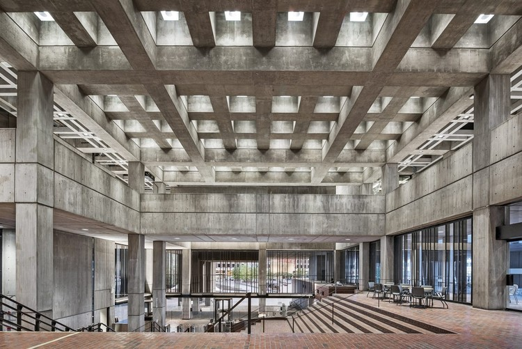 Brutalismo: el estilo arquitectónico que amamos, Boston City Hall. Image Courtesy of Reed Hilderbrand