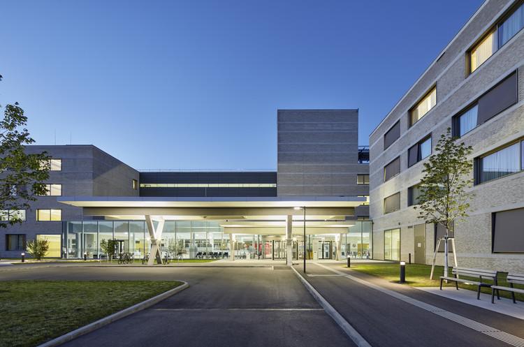 Landesklinikum Thermenregion Mödling / Architekt Katzberger + Habeler & Kirchweger Architekten, © Bruno Klomfar