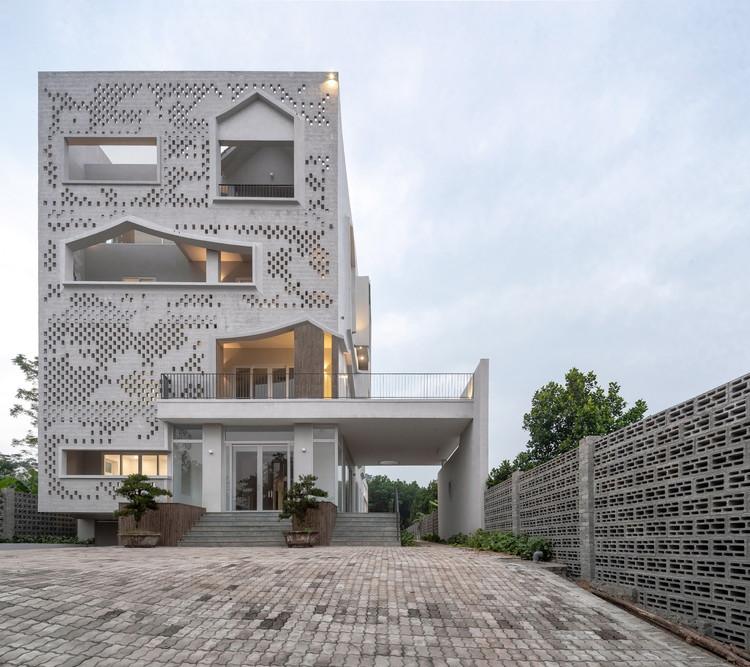 ĐÔNG PHƯƠNG Y ĐẠO Medical Center / Landmak Architecture, © Trieu Chien