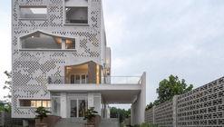 Centro Médico ĐÔNG PHƯƠNG Y ĐẠO / Landmak Architecture