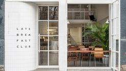 Café Restaurante Late Breakfast Club / LIS design studio