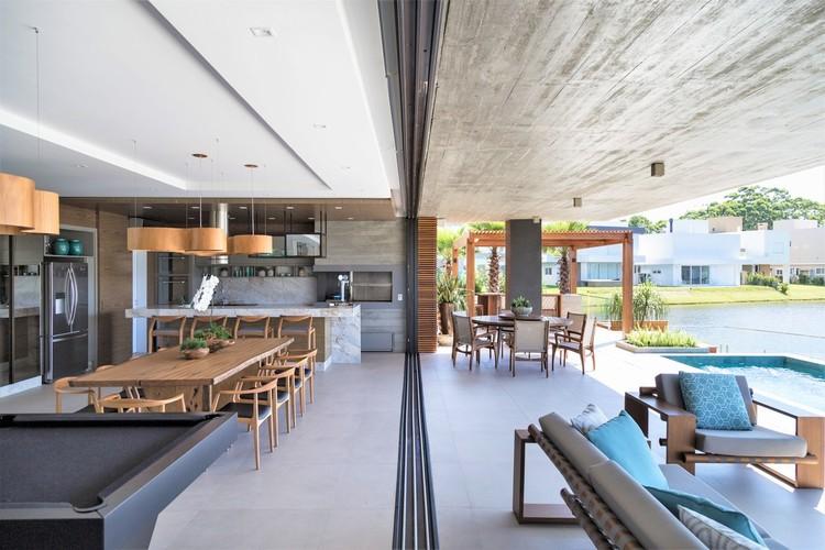 Casa Bluish / Studio Colnaghi Arquitetura, © Marcelo Donadussi