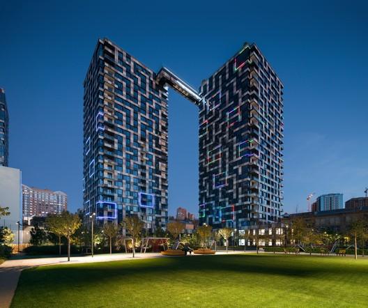 Tetris Hall Apartments / A. Pashenko Architects + KAN Development