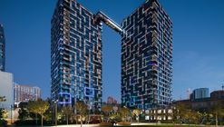 Conjunto de Apartamentos Tetris Hall / A. Pashenko Architects + KAN Development