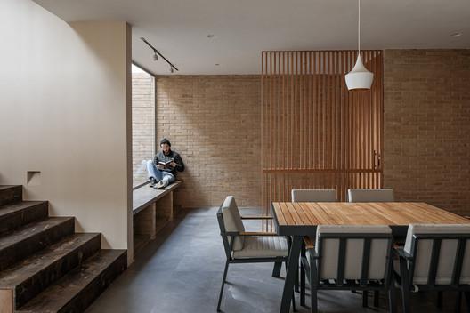 Casa Yavia / Intersticial Arquitectura