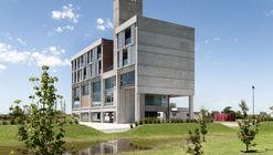 Jorge B. Griffa Athletes Building  / Taller de Arquitectura La Fundación