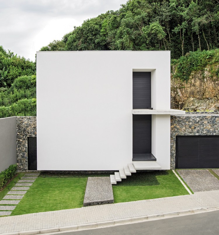 Casa Sólida / Jayme Bernardo Arquitetura, © Daniel Katz