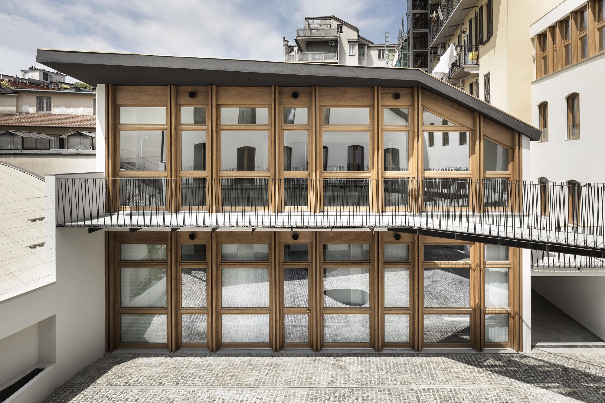 Residential Building Canonica / deamicisarchitetti