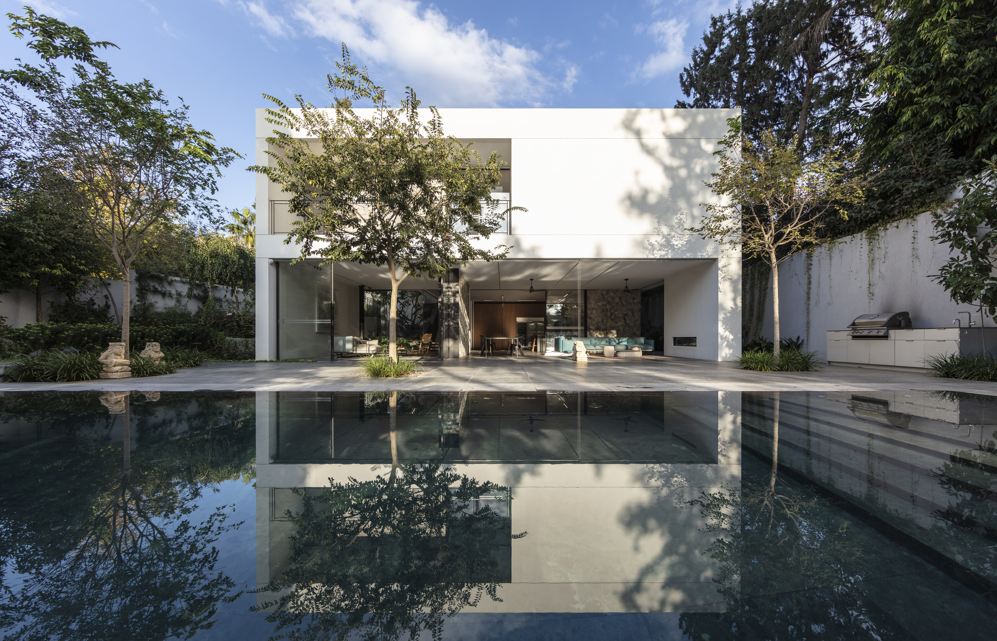 VHRS Family Vacation House / Broides architects