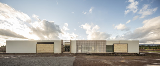 UP48 House. The shelter / Viraje arquitectura