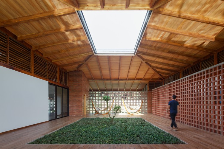 Passive Thermal Comfort Strategies in Residential Projects, The House of Silence / Natura Futura Arquitectura ? Lorena Darquea
