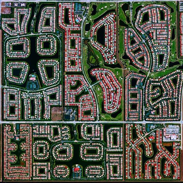 La religión de la ciudad: automóviles, transporte público y coronavirus, Imagen aérea de Boynton Beach, Florida, Estados Unidos. Imagen © @overview
