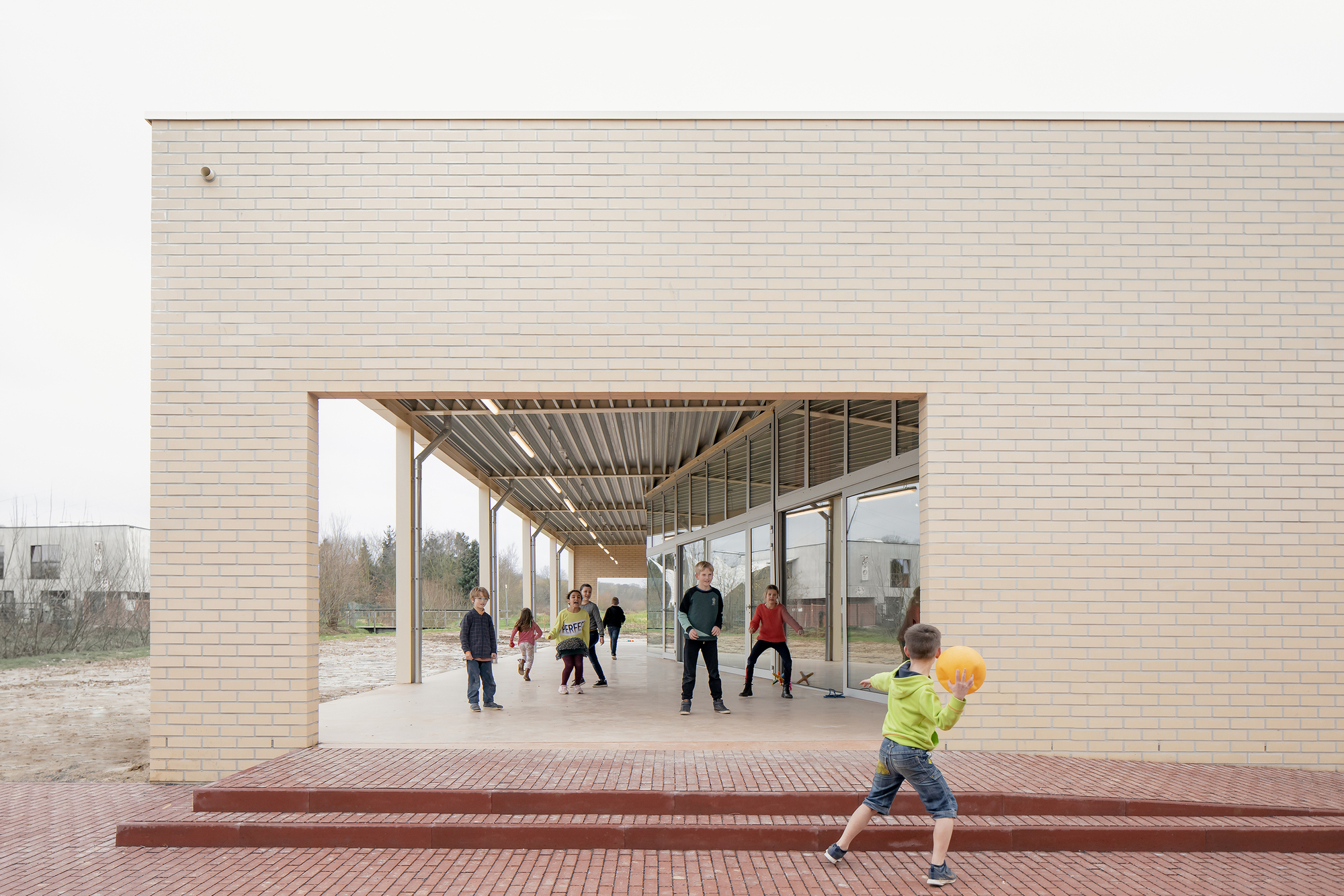 Warot Building  / B-ILD
