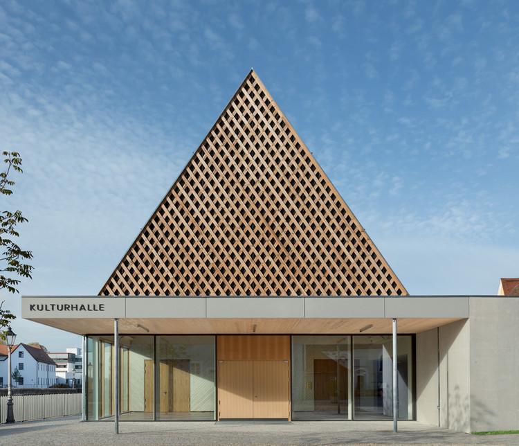 Berching Culture Hall / KÜHNLEIN Architektur, © Erich Spahn