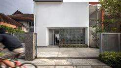 Doctor House / Tan Tik Lam Architects