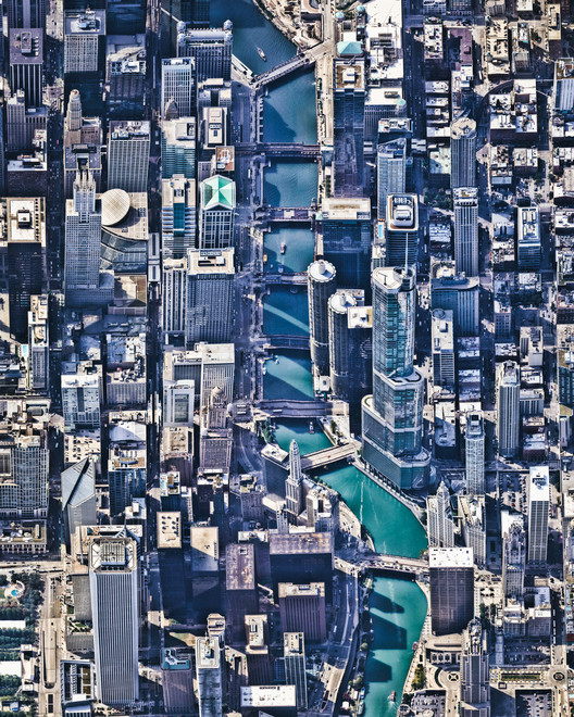 La verticalización de las ciudades desde una perspectiva aérea, Chicago, Estados Unidos. Created by @overview. Source imagery: @nearmap