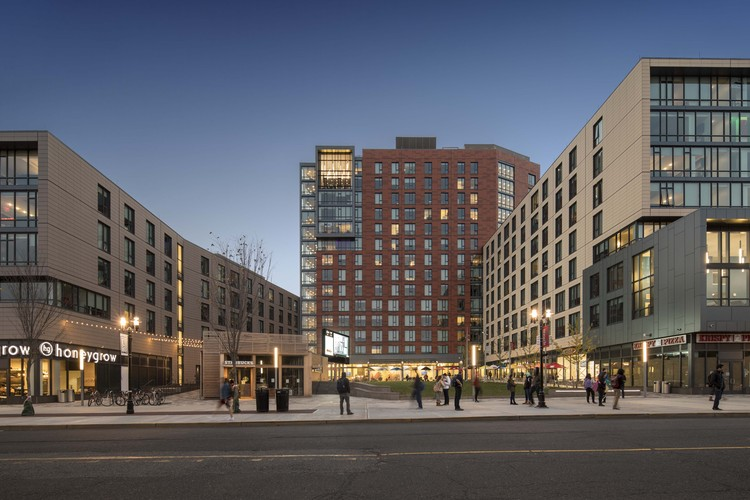 Rutgers University Sojourner Truth Apartments at The Yard / Elkus Manfredi Architects, © Brad Feinknopf