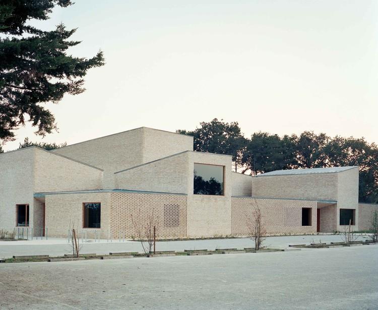 Pierres Blanches Cultural Center / RAUM, © Audrey Cerdan
