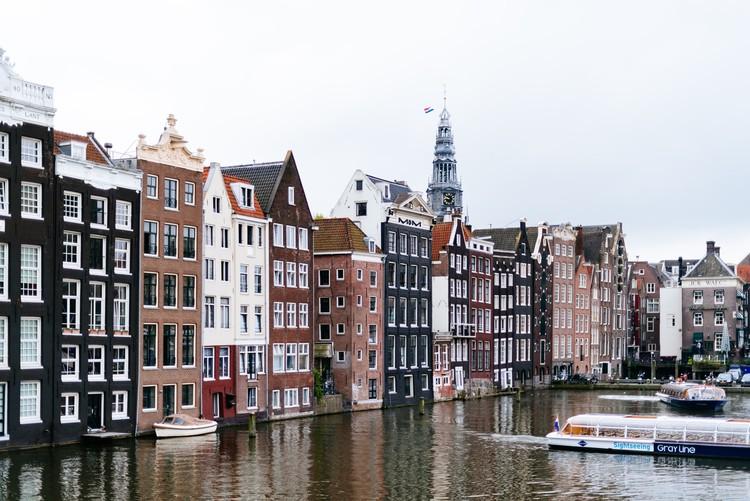 O ideal da cidade compacta ainda faz sentido?, Amsterdã, Países Baixos. Foto de Roman Kraft, via Unsplash