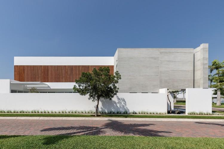 Mocoli House / Orense Arquitectos, © JAG Studio