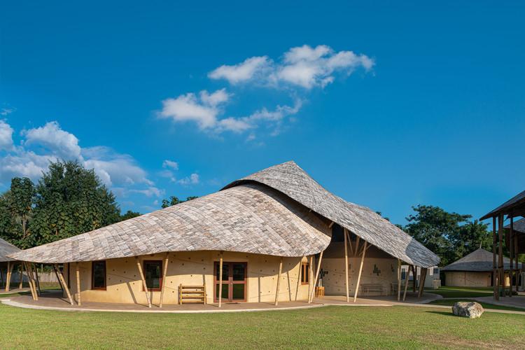 Science Labs & Music Center at Panyaden International School / Chiangmai Life Architects
