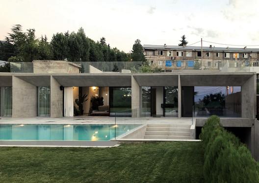 House in Tskneti / NOA Studio