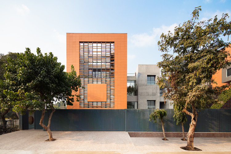 The Terracotta House / Studio Archohm