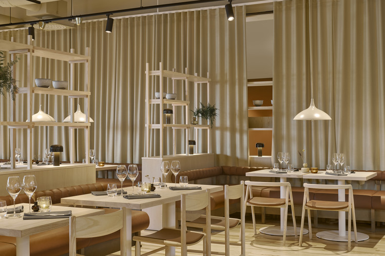 VALO Hotel & Work / Fyra