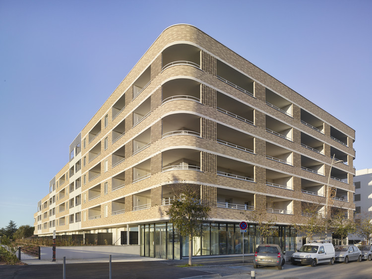 Résidence Caractère Apartments / Taillandier Architectes Associés, © Roland Halbe