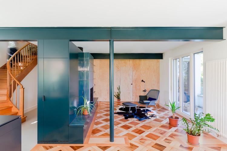 Transformación de una villa de los años 50 en Vers-chez-les-Blanc / Bureau Brisson Architectes, © HASOO—PHOTOO