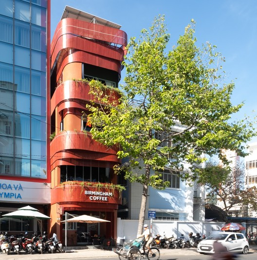 Birmingham Coffee and Mini Apartment / Chơn.a