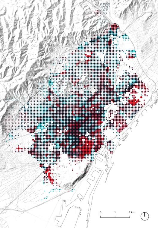 Entre 2 metros y un kilómetro de aire: Reflexiones sobre la distancia y la contaminación urbana, Mapa del impacto de la contaminación (300.000Km/s). En azul la densidad de contaminantes (NO2 y PM2.5) proporcional a la dimensión del punto, en rojo el número de muertos proporcional a la dimensión del punto. Se observa como no existe relación directa entre mortalidad asociada y la exposición al aire contaminado. Image © 300.000Km/s