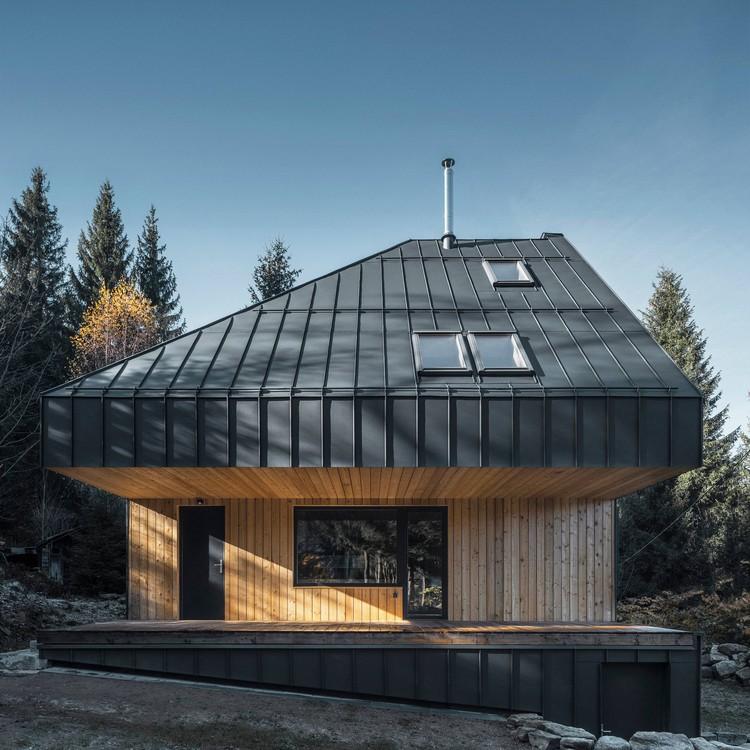 Weekend House Nové Hamry / NEW HOW architects, © Petr Polák