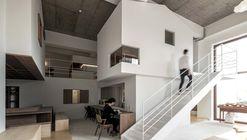 Chez Moi Center / R-BAS