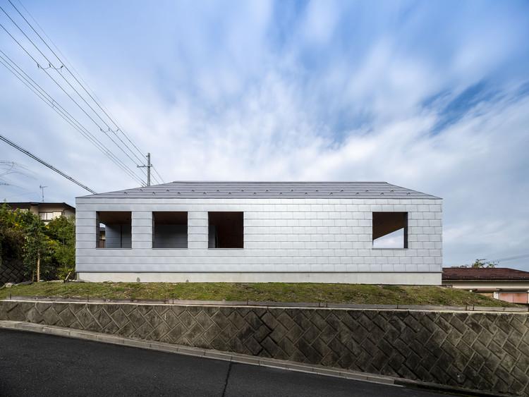 Courtyard House at Wani / design it, © Hiroyuki Hirai