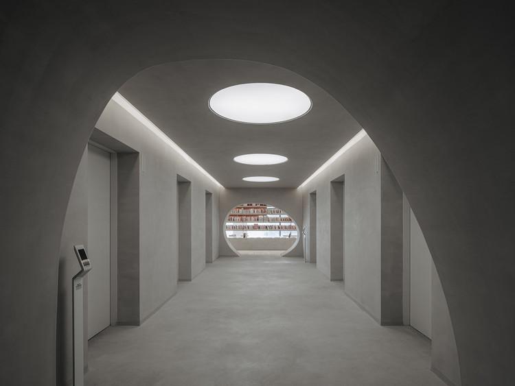 Espacios de curación en China: el papel de la arquitectura en la experiencia sensorial del espacio, The Satori Harbor / Wutopia Lab. Image © CreatAR Images