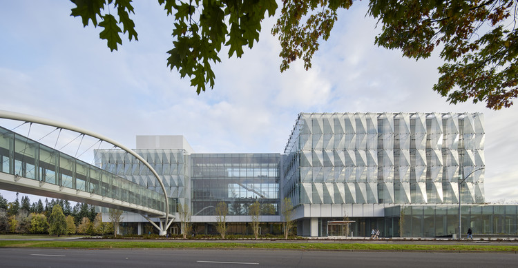 Phil and Penny Knight Campus for Accelerating Scientific Impact / Ennead Architects + Bora Architects