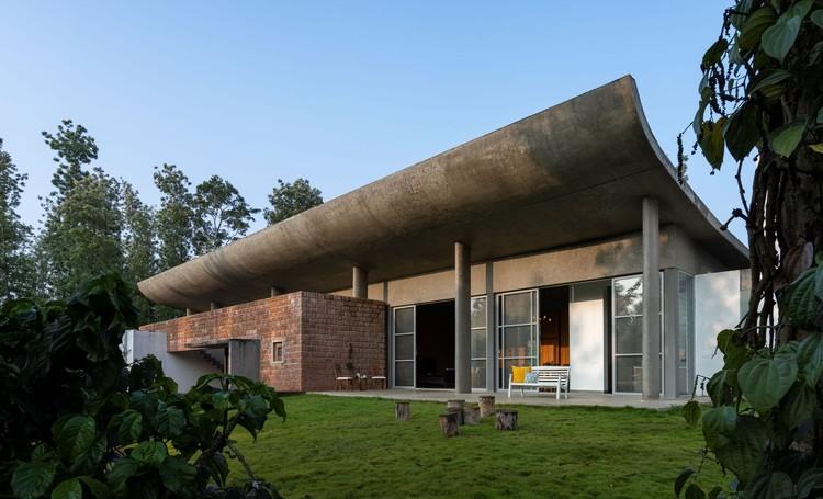 Casa ovoide / Greyscale Design Studio, © Anand Jaju
