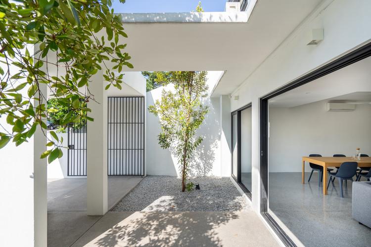 ottiqa selected 03 - Ottiqa House: công trình với thiết kế đơn giản nhưng lại tích hợp nhiều giải pháp thông minh thú vị