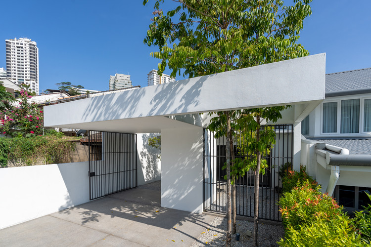 ottiqa 08 - Ottiqa House: công trình với thiết kế đơn giản nhưng lại tích hợp nhiều giải pháp thông minh thú vị