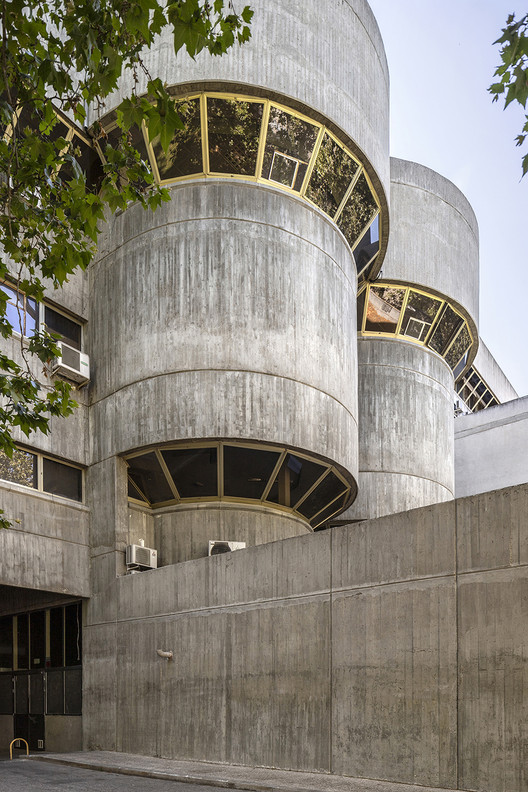 Departamento de Ciencias de la Información, Universidad de Madrid - José María Laguna Martínez y Juan Costan Farina (1971-1979).  Imagen © Roberto Conte