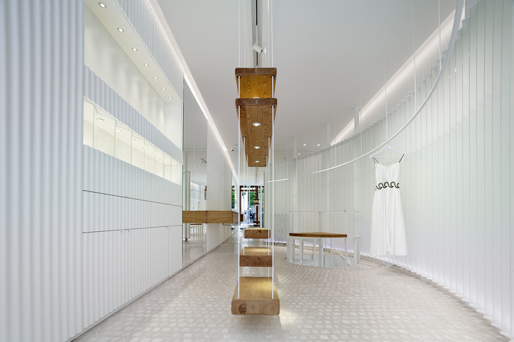 Zeus+Dione Store / En Route Architects