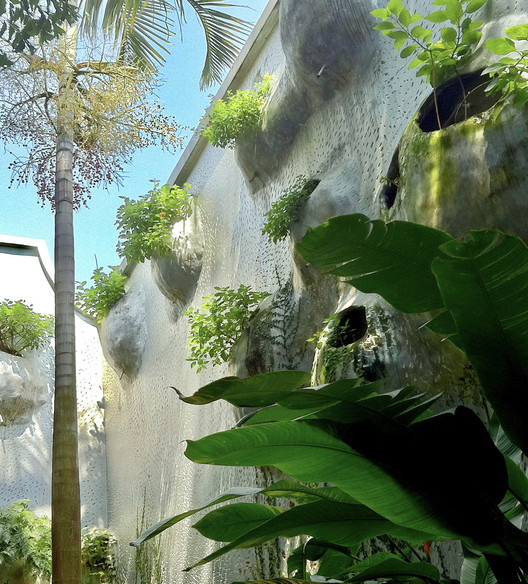 Bioclimatic Prototype of a Host and Nectar Garden Building. Image © Diego Barajas