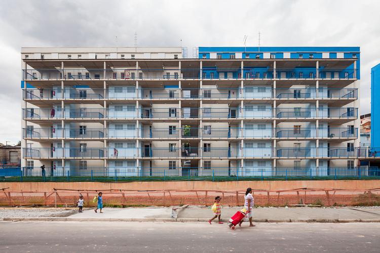 Concurso de projeto para eficiência energética em habitação de interesse social: inscrições abertas, Reurbanização do Sapé / Base Urbana + Pessoa Arquitetos. Foto: © Pedro Vannucchi