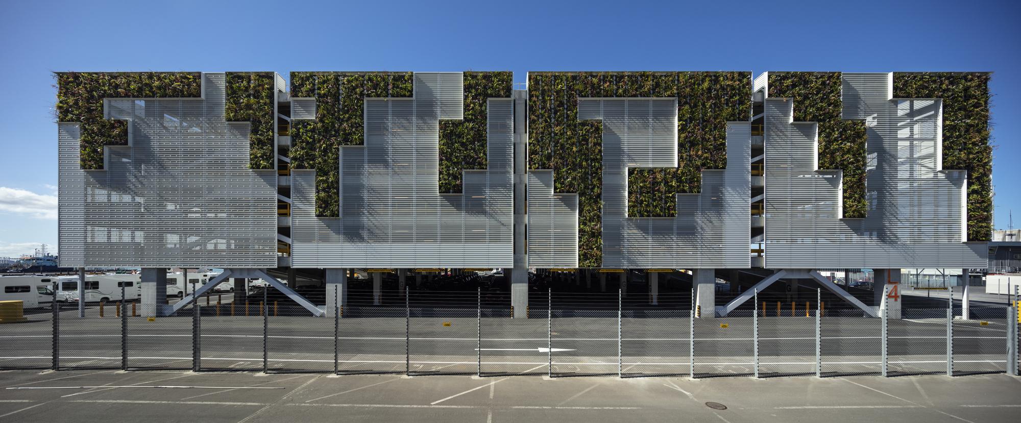 POAL Car Handling Facility / Plus Architecture