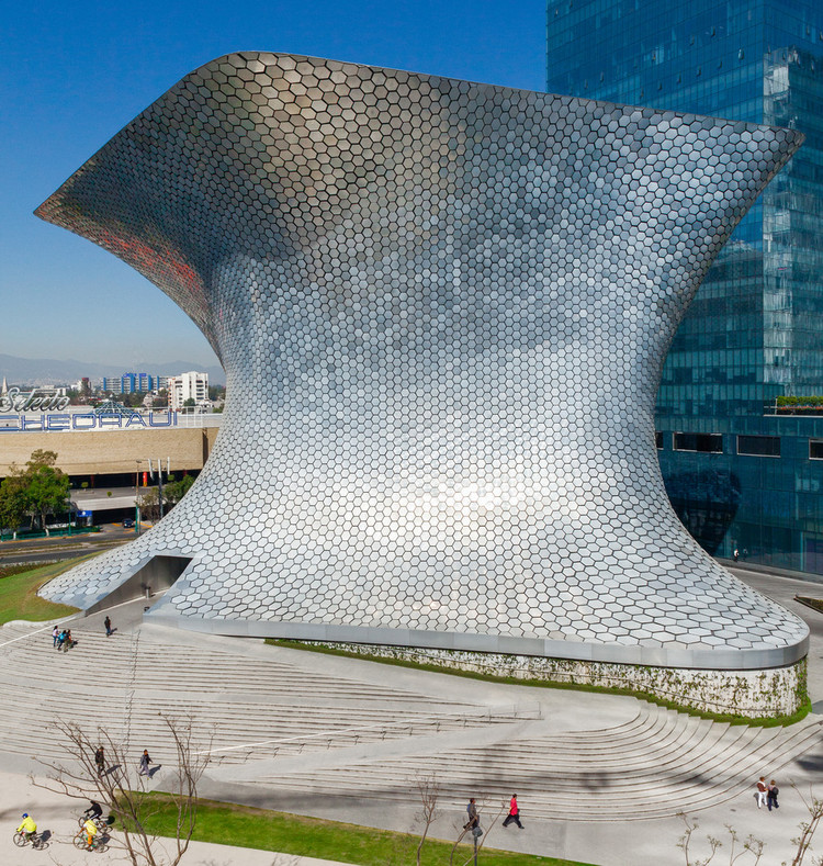 ¿Cómo se han impermeabilizado proyectos de gran escala?, Museo Soumaya / FR-EE / Fernando Romero Enterprise. Image © Rafael Gamo
