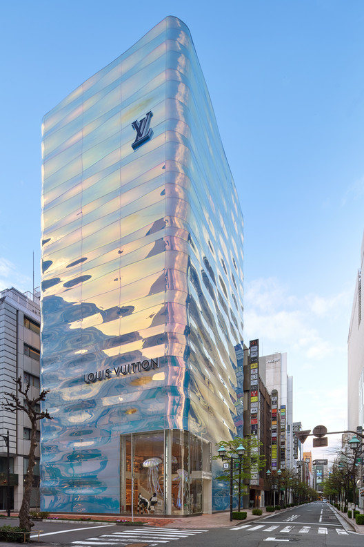 Louis Vuitton Ginza Namiki / AS Co. + Peter Marino Architect, © Daici Ano